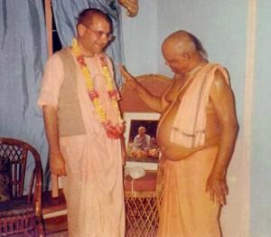 Gaura Govinda Swami and Giriraj Swami in Mauritius 1995