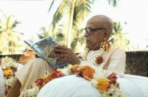Prabhupada reading Bhagavatam in Juhu