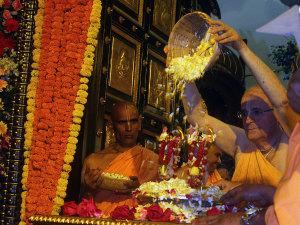 03.05.15_09.GauraPurnima_Juhu