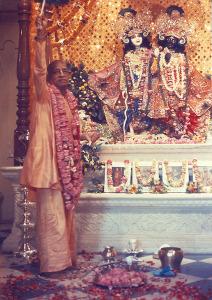 SP krishna-balarama-arati (1)