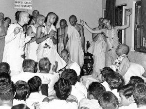 prabhupadapreachinginindia-aug-18