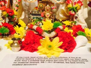 05.09.17 2 Lord_Nrsimha_on_Nitai-Gaura-natarajas_altar (1)