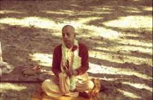 Prabhupada-chanting-japa-300x196