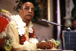 Srila-Prabhupada-on-Vyasasana-in-LA